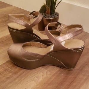 Stuart weitzman gold platform sandals